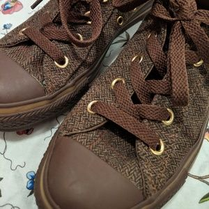 Brown Tweed Converse - 5.5
